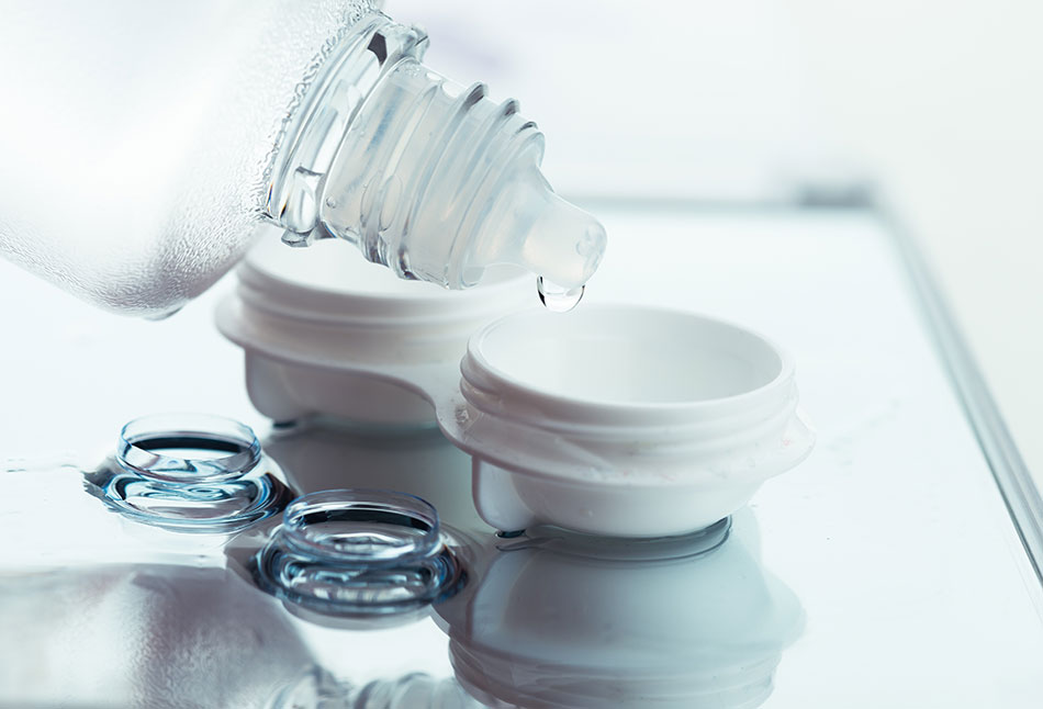 contact lens care solution with contact case and contact lenses